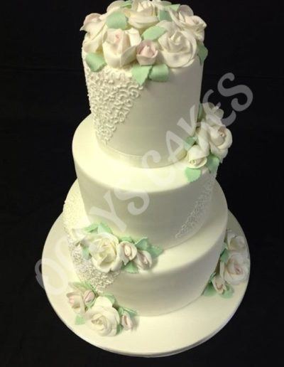 Scribble & Roses Wedding Cake1253264659_n